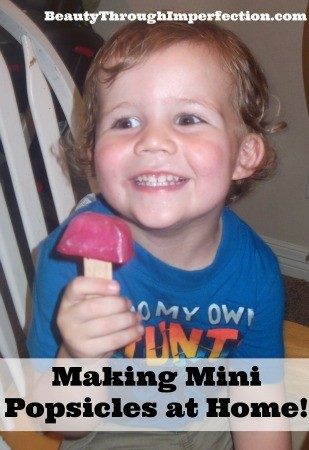 Making Mini Popsicles at home