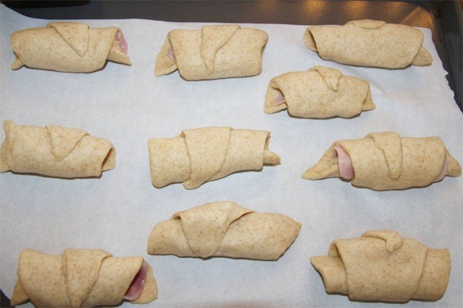 Ham and Cheese Horns - tasty snacks or for a lunchbox treat. Kids love these!