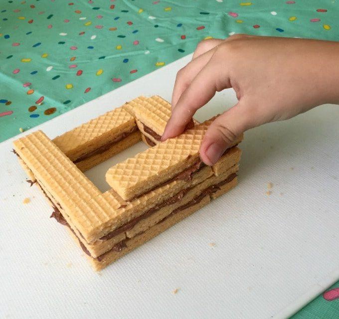 Making a Cookie Cabin – Voortman Food Creations