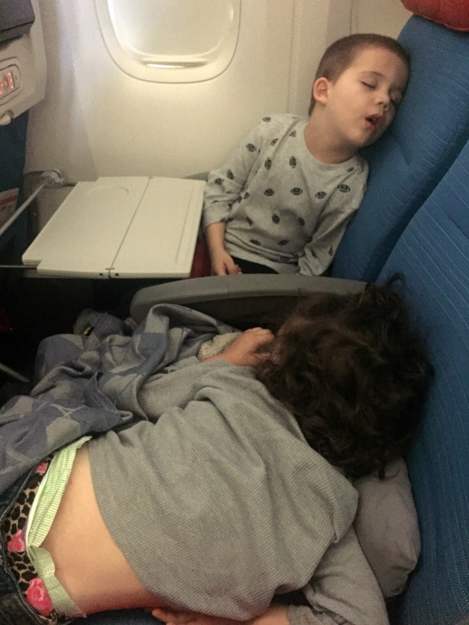 plane-travel-with-kids