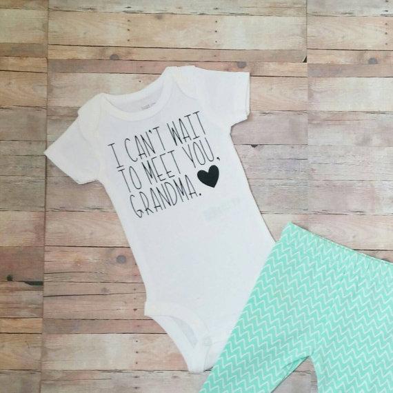 onesie-pregnancy-annoucement