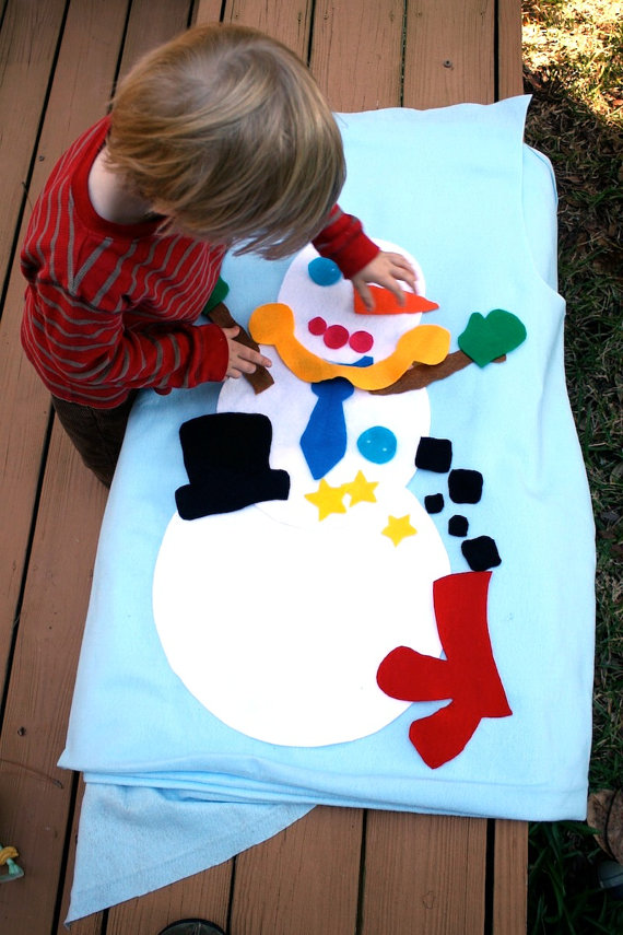 Build your own snowman fun activity for toddlers and preschoolers! Felt quiet activity for toddlers!