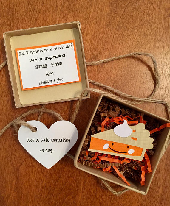 Fun ways to announce your pregnancy on Thanksgiving Beauty – Baby Announcement Favors